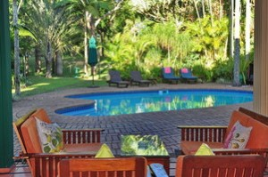 avalone bed & breakfast pool area