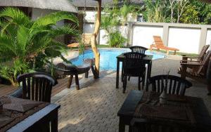 pool area lodge afrique accommodation st lucia
