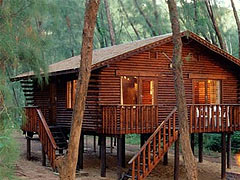 Log Cabins Cape Vidal