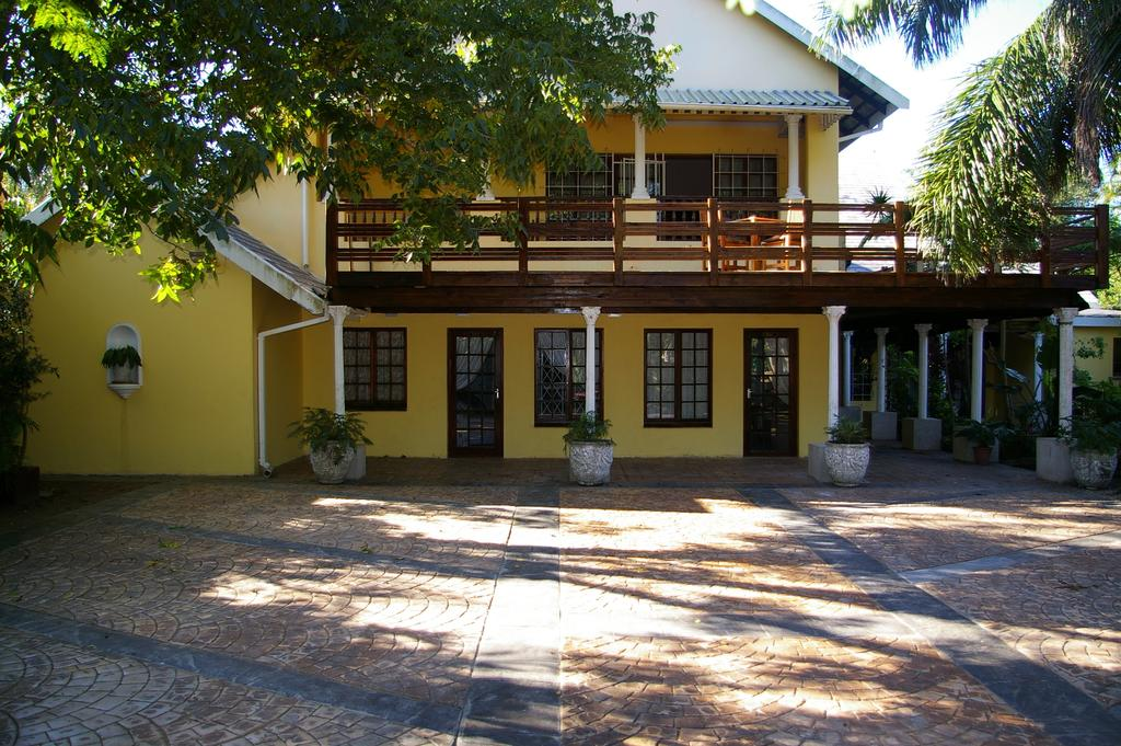 lodge lalapanzi lodge st lucia south africa