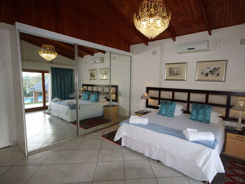whalesong bedroom accommodation st lucia south africa