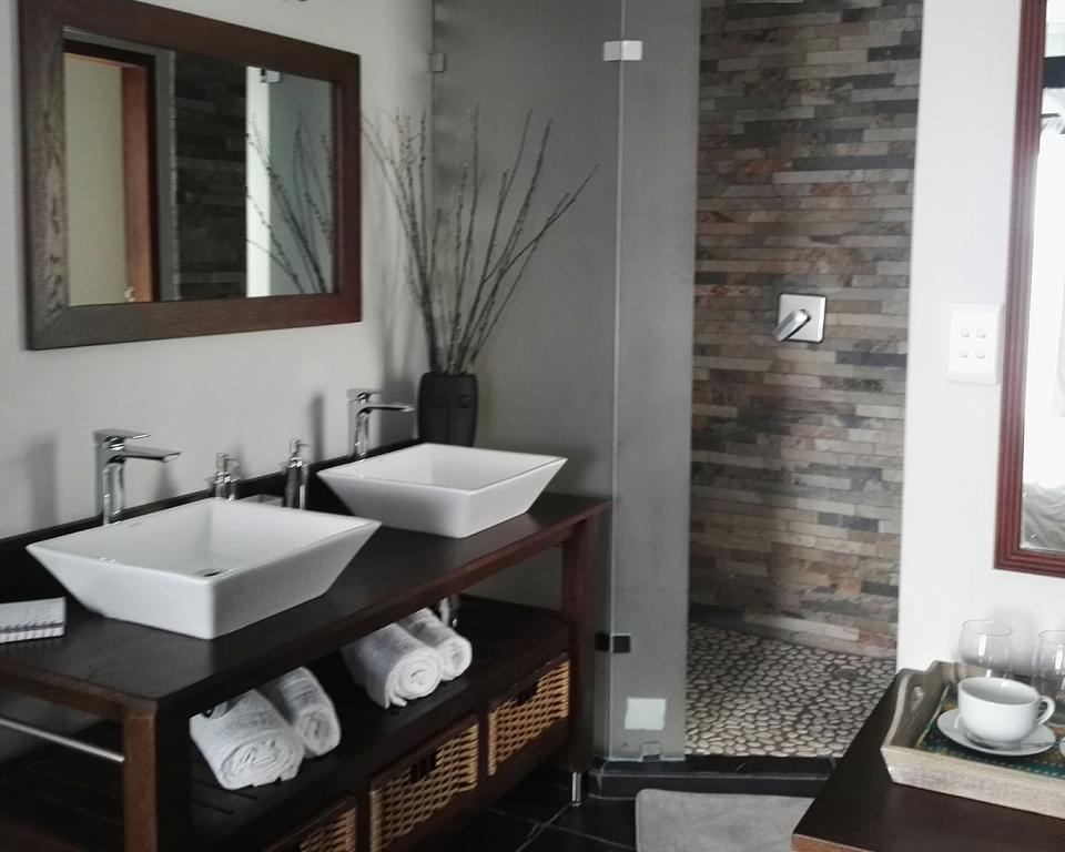 st lucia hilltop guesthouse hand basins