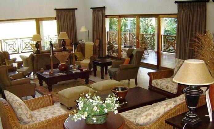 seasands lodge lounge area