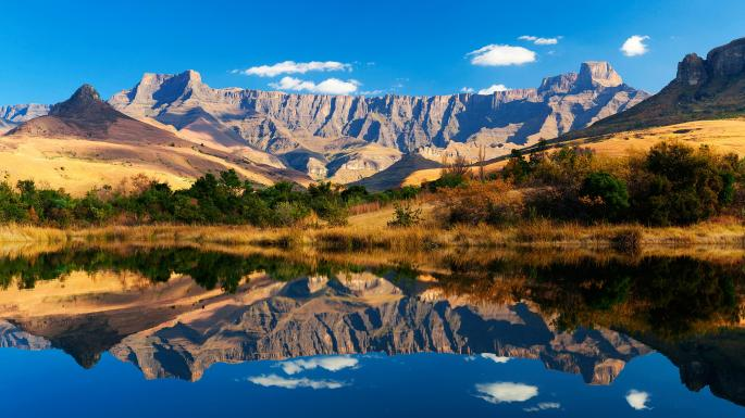 drakensberg mountains world heritage site